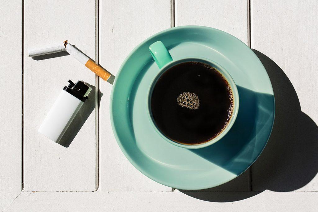 Οστεοπόρωση: Όχι στο κάπνισμα, με μέτρο ο καφές.